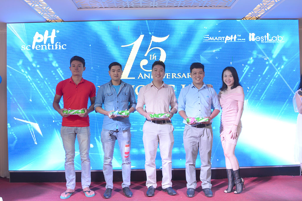 Phuong-Hai-ky-niem-15-nam-thanh-lap-cong-ty